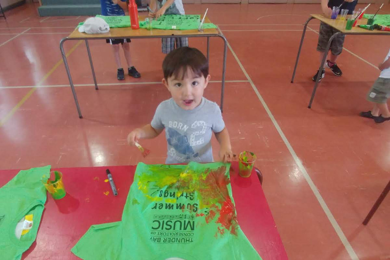 Junior Week t-shirt painting