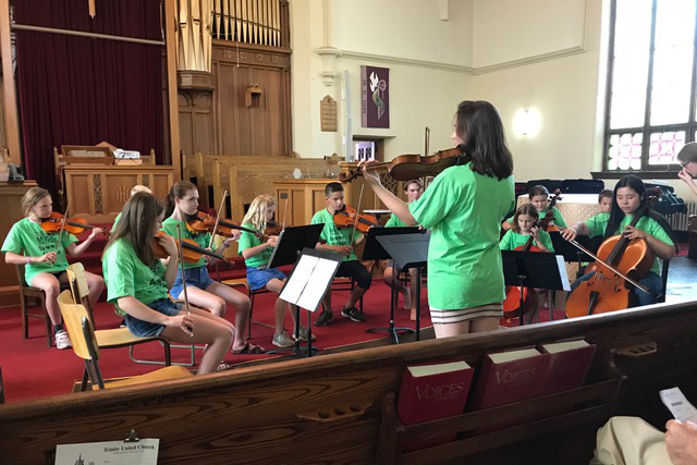 Chamber Week orchestra – tuning